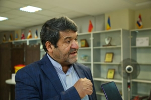 تزریق واکسن کرونا به کارگران صنعتی در پایگاه واکسیناسیون اتاق بازرگانی البرز