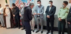 با حضور مسئولین از آتش نشانان شهرداری هشتگرد تجلیل شد